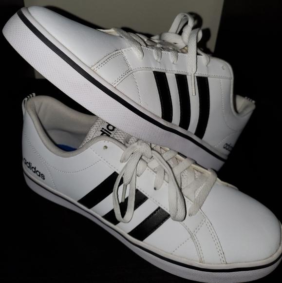 Men's Adidas Neo shoe size 10.5